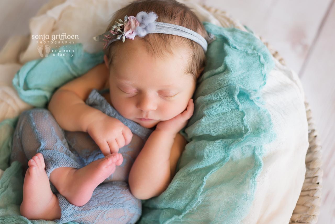 Isabelle-Newborn-Brisbane-Newborn-Photographer-Sonja-Griffioen-12.jpg