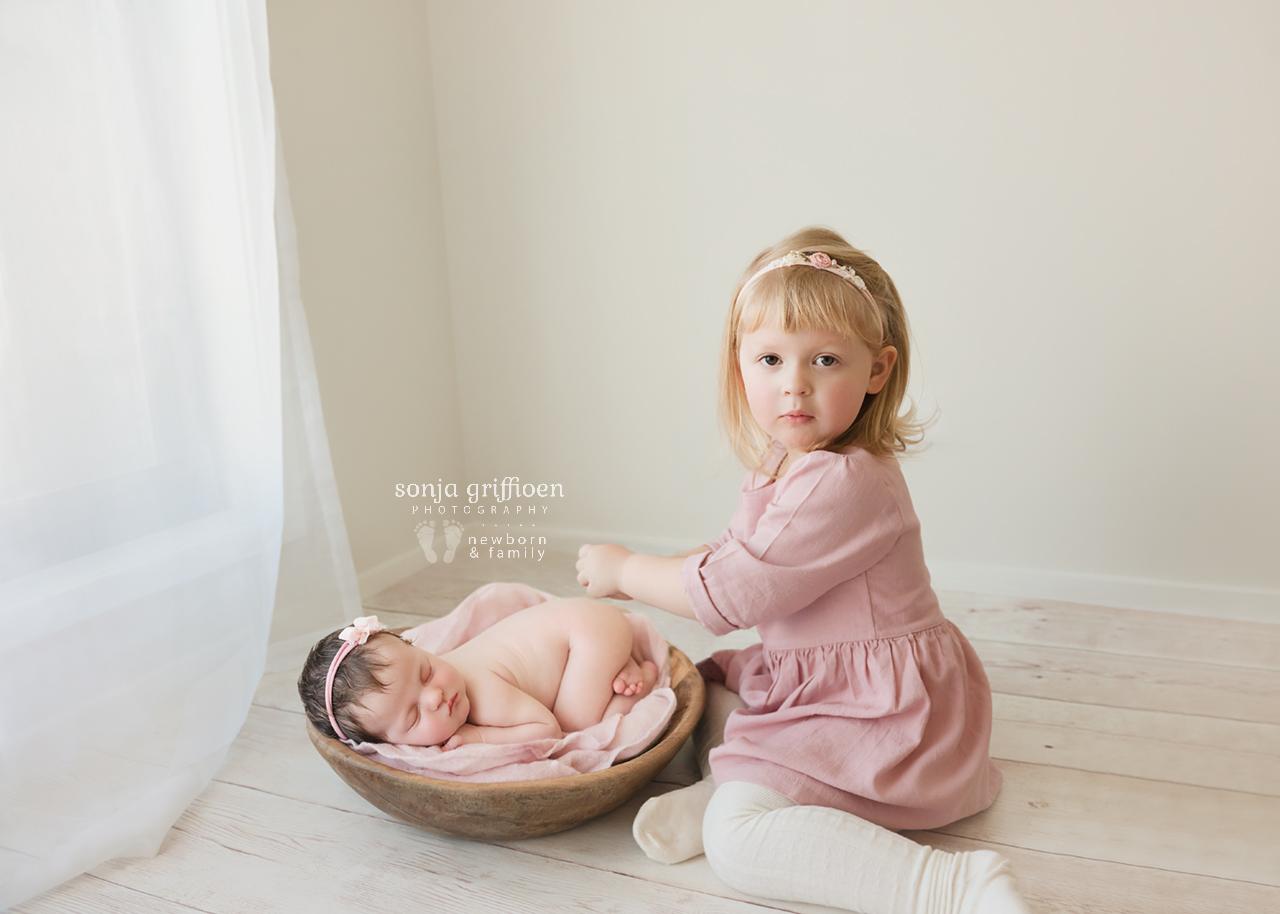 Isla-Newborn-Brisbane-Newborn-Photographer-Sonja-Griffioen-12.jpg