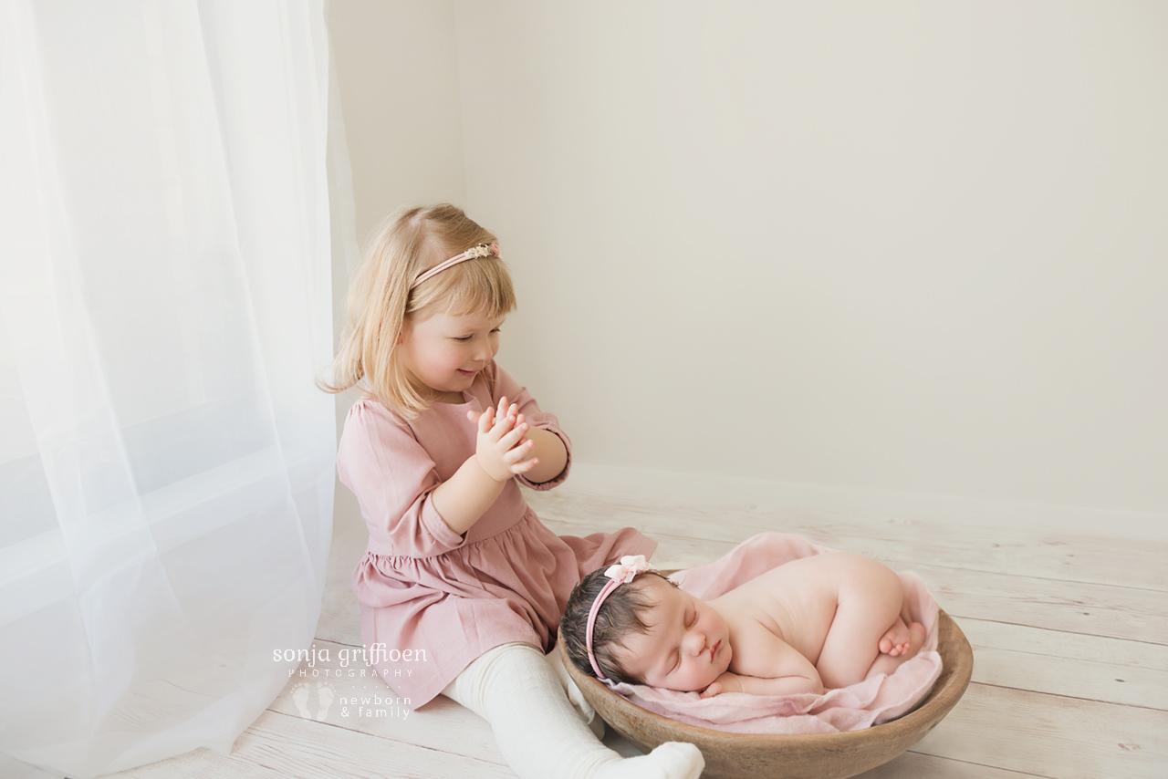 Isla-Newborn-Brisbane-Newborn-Photographer-Sonja-Griffioen-13.jpg