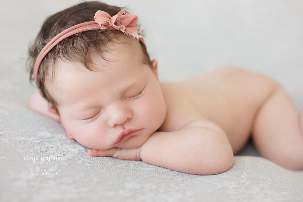 Isla-Newborn-Brisbane-Newborn-Photographer-Sonja-Griffioen-16.jpg