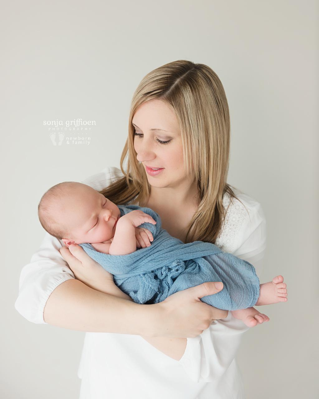 Joshua-Newborn-Brisbane-Newborn-Photographer-Sonja-Griffioen-12.jpg