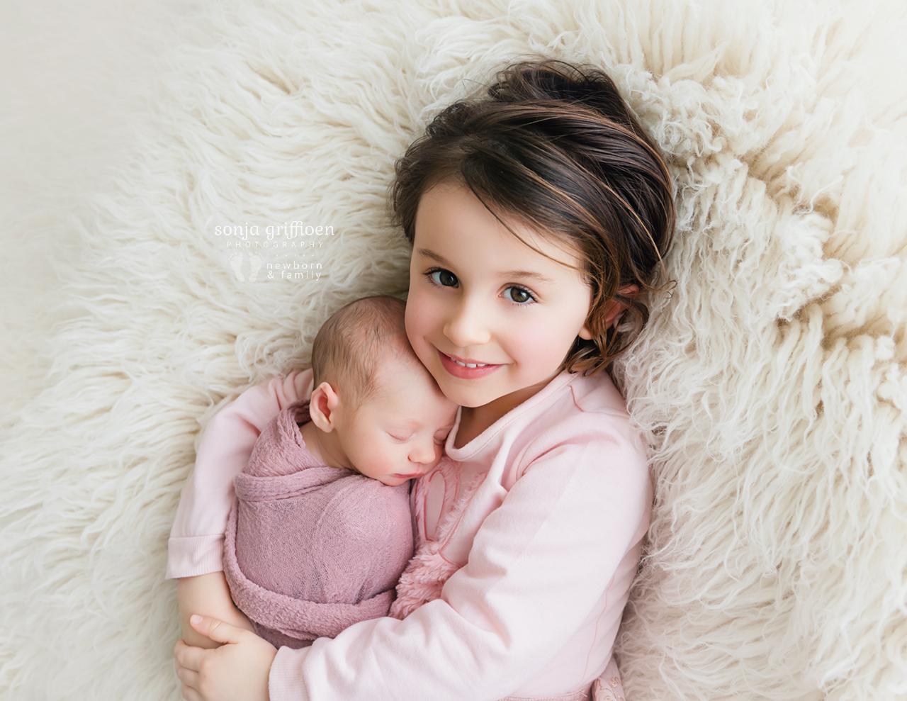 Katie-Newborn-Brisbane-Newborn-Photographer-Sonja-Griffioen-03.jpg