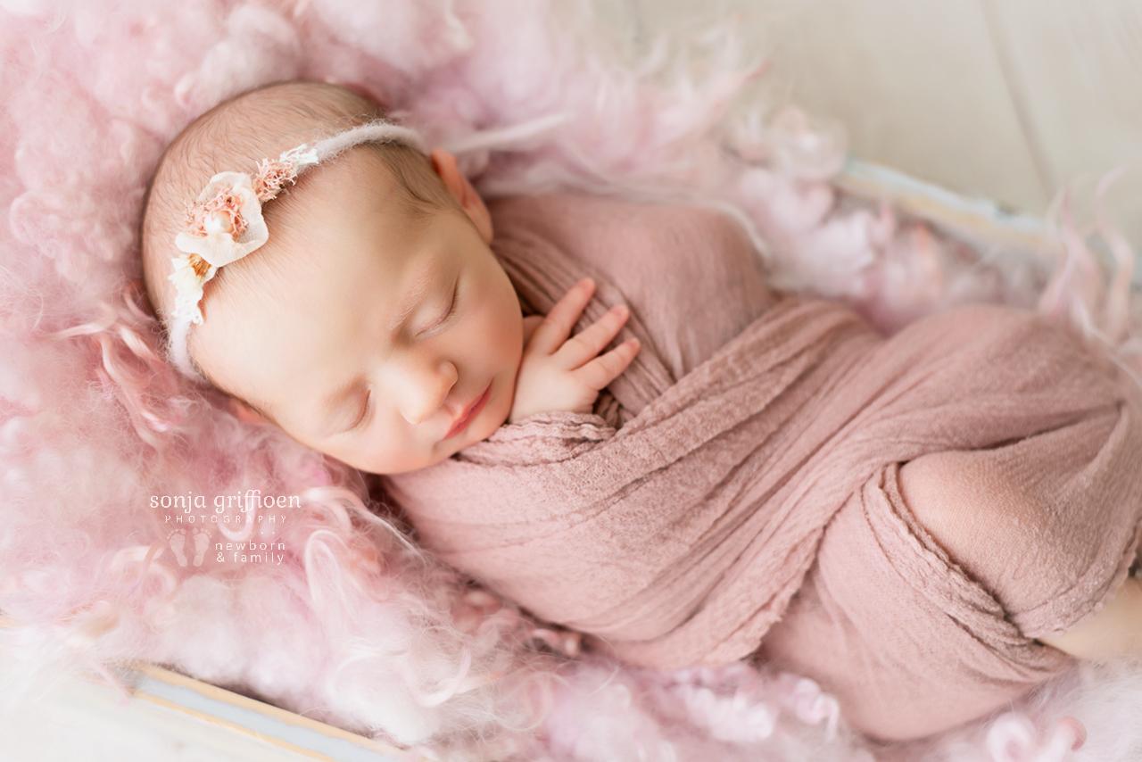 Katie-Newborn-Brisbane-Newborn-Photographer-Sonja-Griffioen-11.jpg