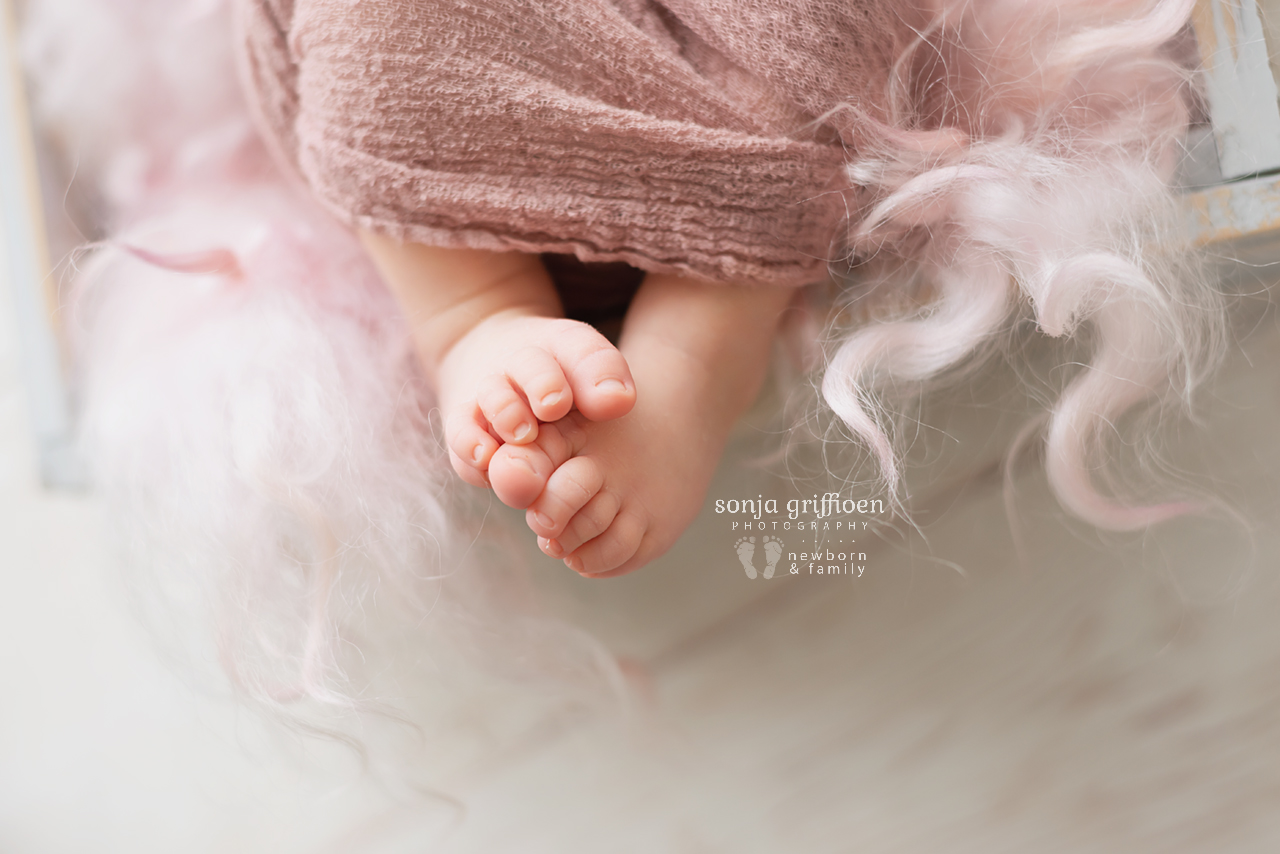 Katie-Newborn-Brisbane-Newborn-Photographer-Sonja-Griffioen-12.jpg