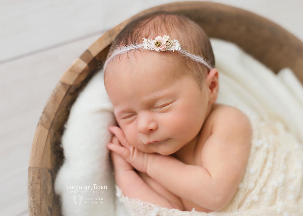 Lara-Newborn-Brisbane-Newborn-Photographer-Sonja-Griffioen-061.jpg