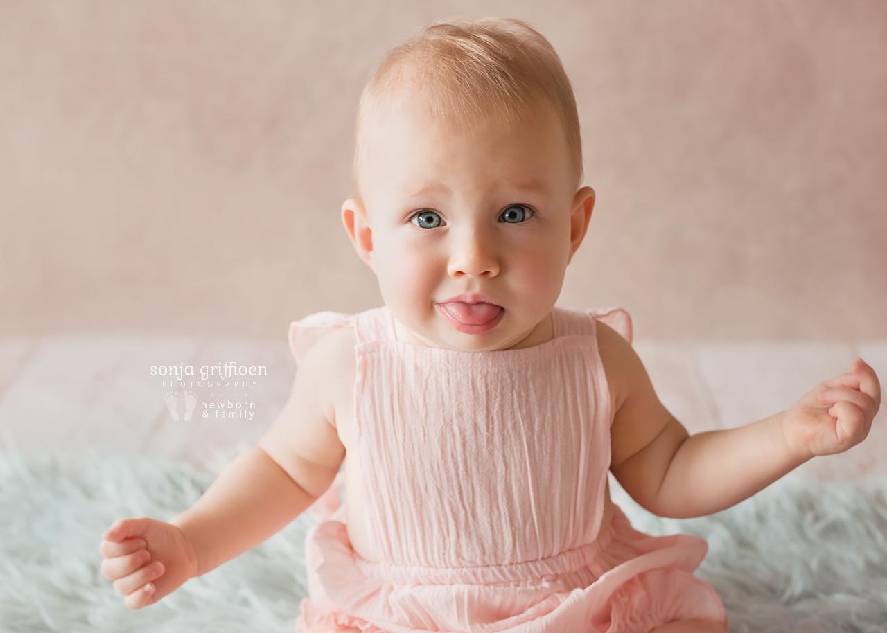 Leia-Daisy-Milestone-Brisbane-Newborn-Photographer-Sonja-Griffioen-01.jpg