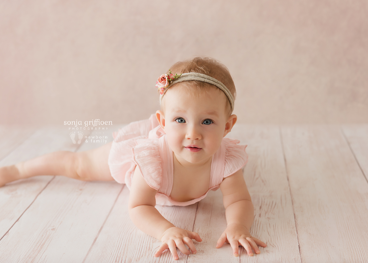 Leia-Daisy-Milestone-Brisbane-Newborn-Photographer-Sonja-Griffioen-07.jpg