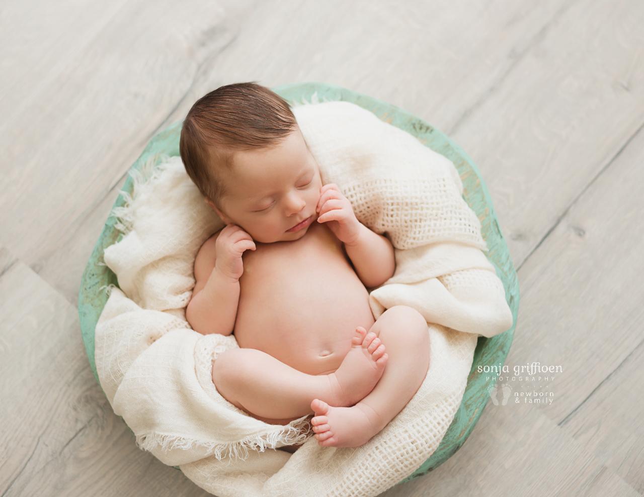 Lennox-Newborn-Brisbane-Newborn-Photographer-Sonja-Griffioen-19.jpg