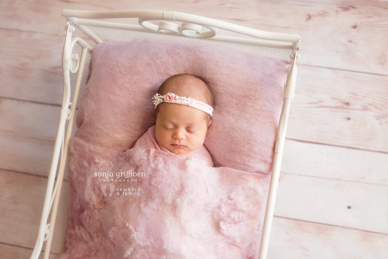 Lilly-Newborn-Brisbane-Newborn-Photographer-Sonja-Griffioen-01.jpg