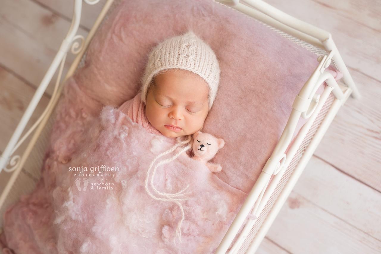 Lilly-Newborn-Brisbane-Newborn-Photographer-Sonja-Griffioen-02.jpg