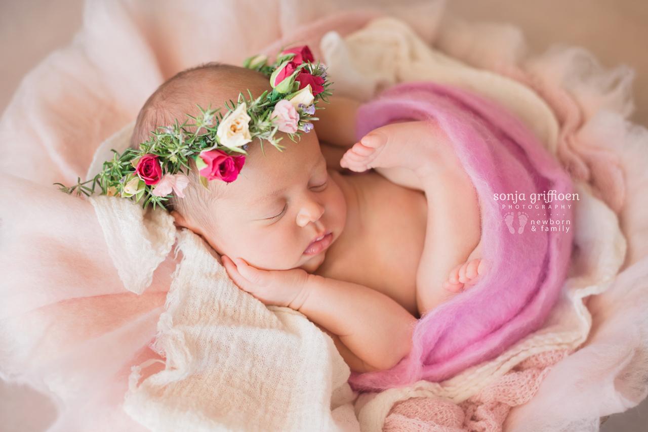 Lilly-Newborn-Brisbane-Newborn-Photographer-Sonja-Griffioen-09.jpg