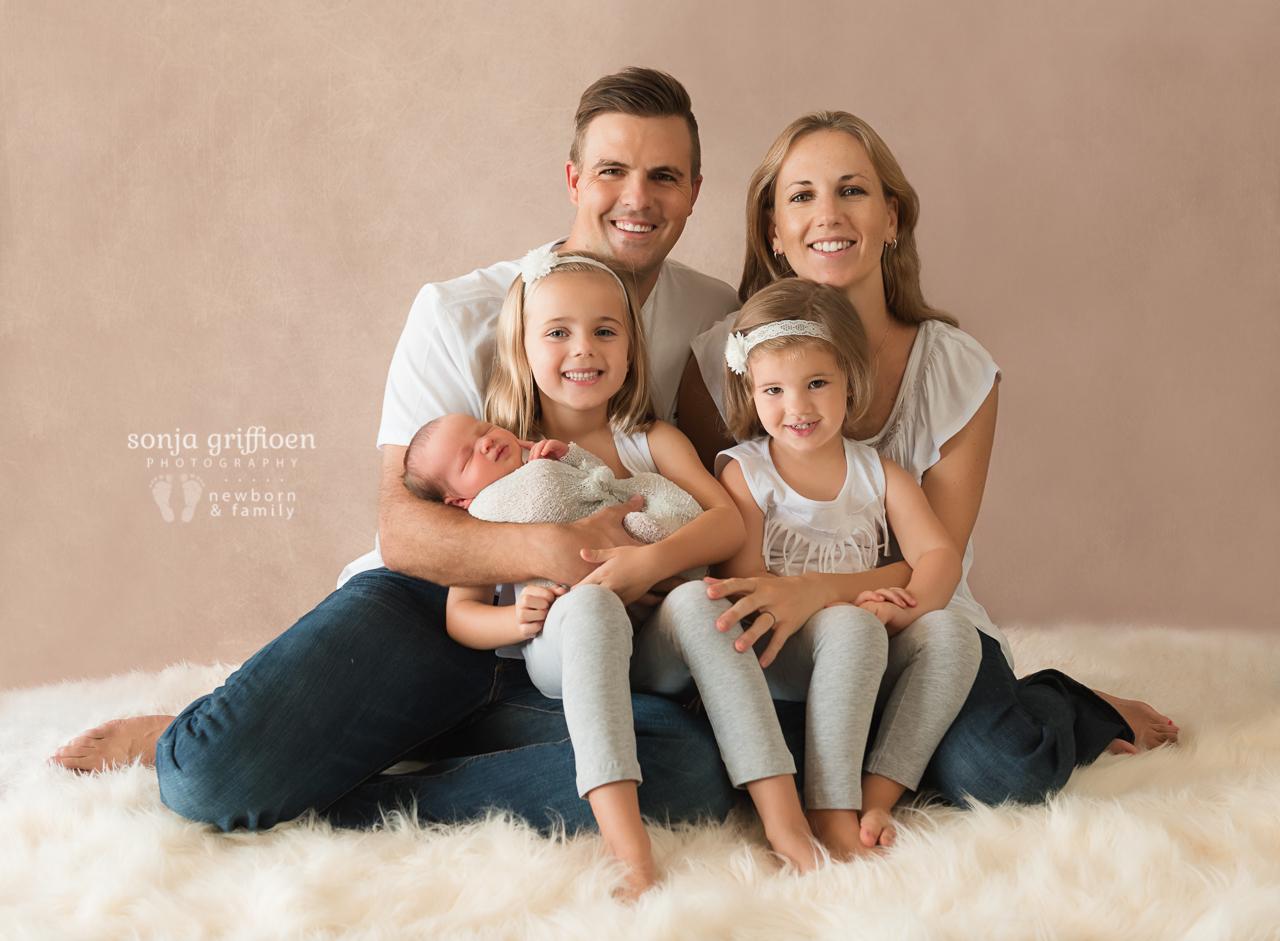 Lukas-Newborn-Brisbane-Newborn-Photographer-Sonja-Griffioen-12.jpg