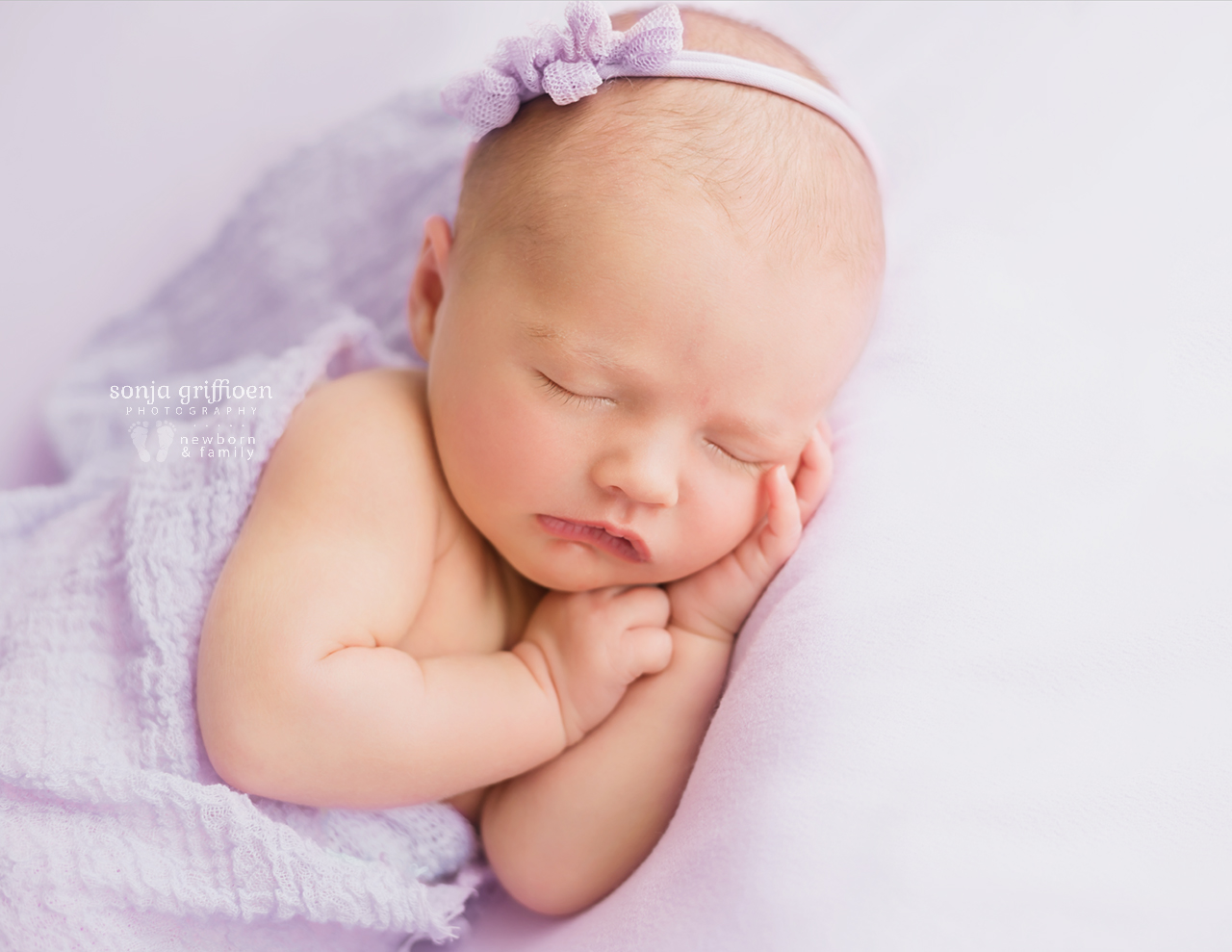 Macey-Newborn-Brisbane-Newborn-Photographer-Sonja-Griffioen-09.jpg