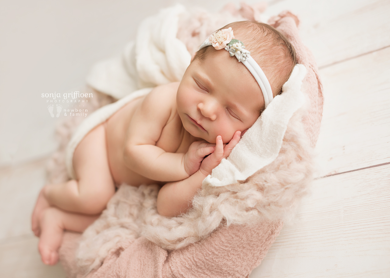 Madison-Newborn-Brisbane-Newborn-Photographer-Sonja-Griffioen-01.jpg