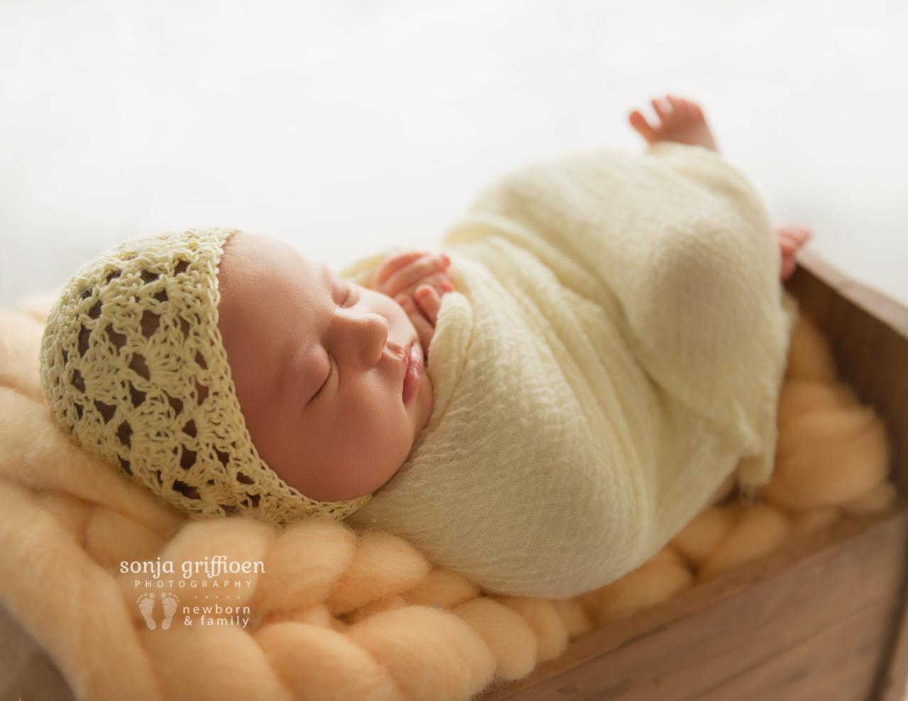 Marguerite-Newborn-Brisbane-Newborn-Photographer-Sonja-Griffioen-02.jpg
