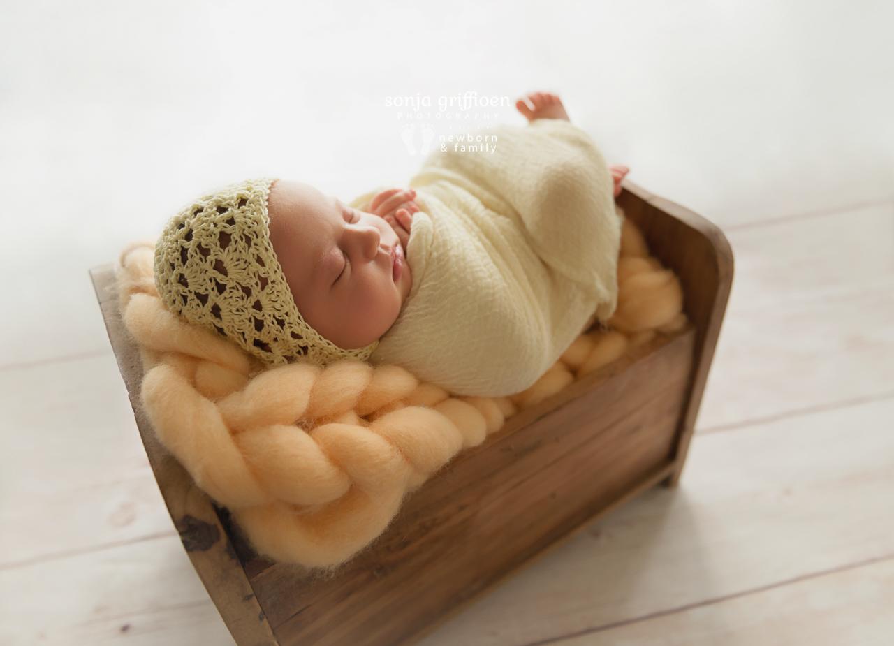 Marguerite-Newborn-Brisbane-Newborn-Photographer-Sonja-Griffioen-03.jpg