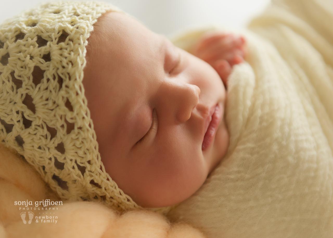 Marguerite-Newborn-Brisbane-Newborn-Photographer-Sonja-Griffioen-04.jpg