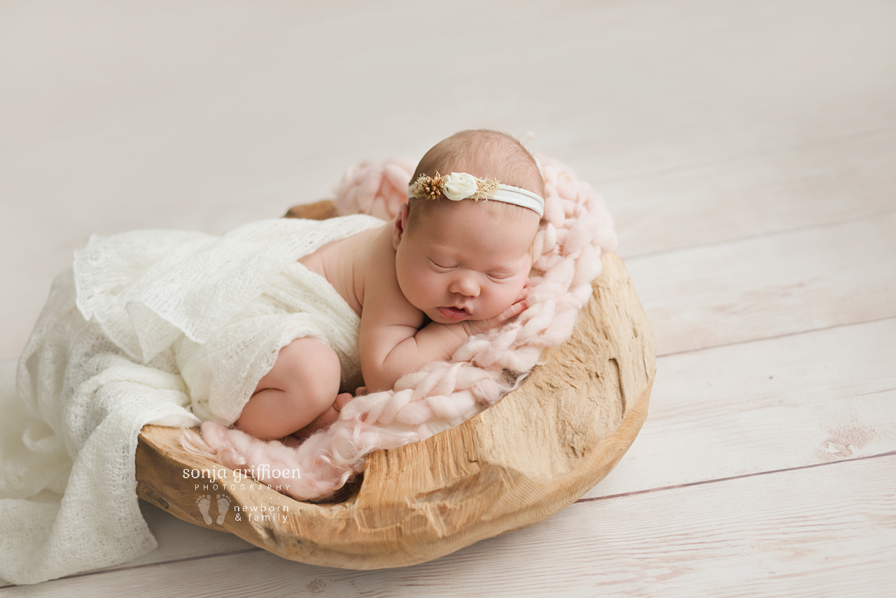 Matilda-Newborn-Brisbane-Newborn-Photographer-Sonja-Griffioen-05.jpg
