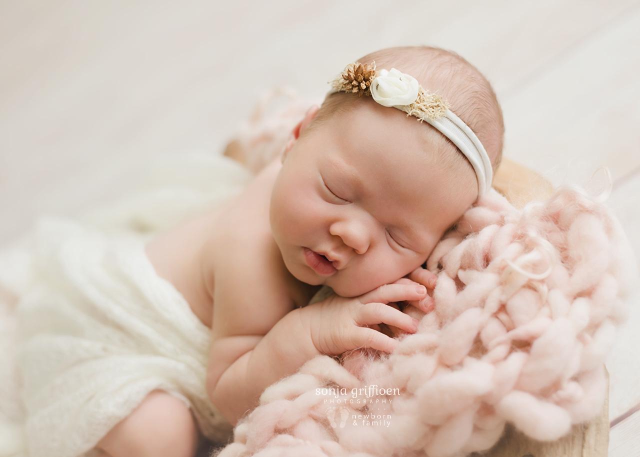 Matilda-Newborn-Brisbane-Newborn-Photographer-Sonja-Griffioen-06.jpg