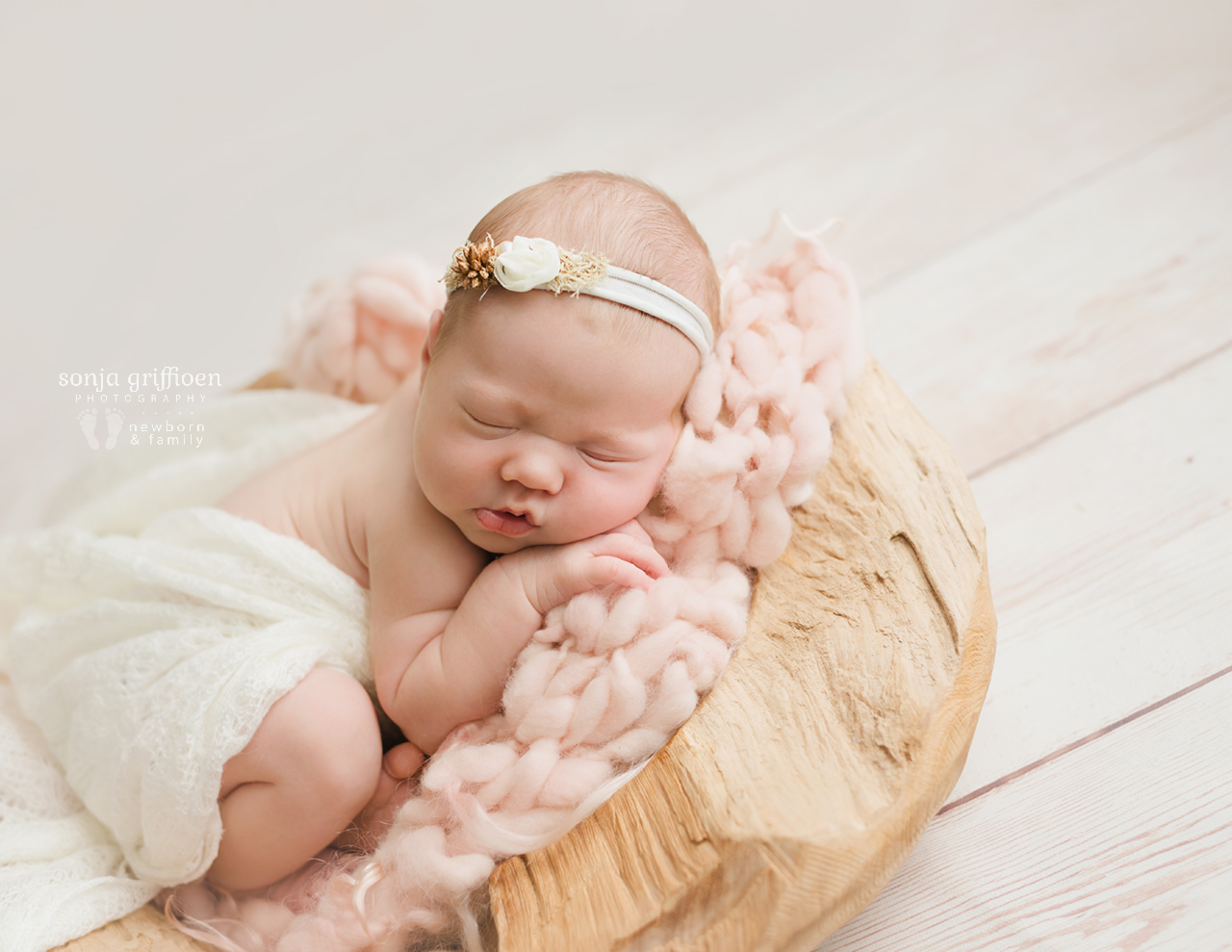 Matilda-Newborn-Brisbane-Newborn-Photographer-Sonja-Griffioen-18.jpg