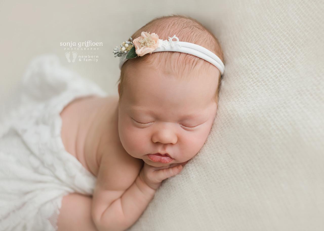 Matilda-Newborn-Brisbane-Newborn-Photographer-Sonja-Griffioen-20.jpg