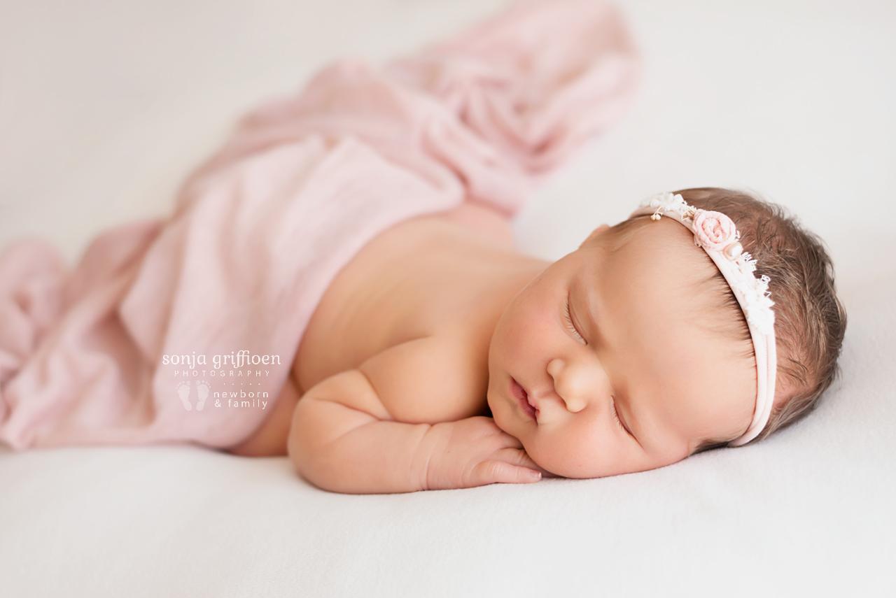 Maya-Newborn-Brisbane-Newborn-Photographer-Sonja-Griffioen-01.jpg