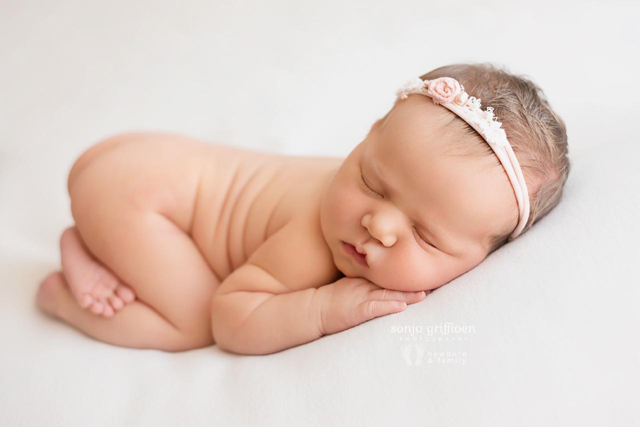 Maya-Newborn-Brisbane-Newborn-Photographer-Sonja-Griffioen-02.jpg
