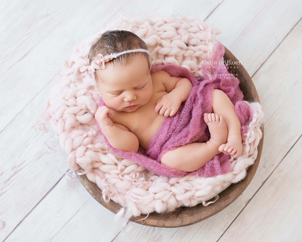 Maya-Newborn-Brisbane-Newborn-Photographer-Sonja-Griffioen-04.jpg