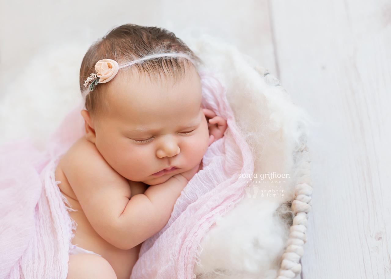 Maya-Newborn-Brisbane-Newborn-Photographer-Sonja-Griffioen-11.jpg