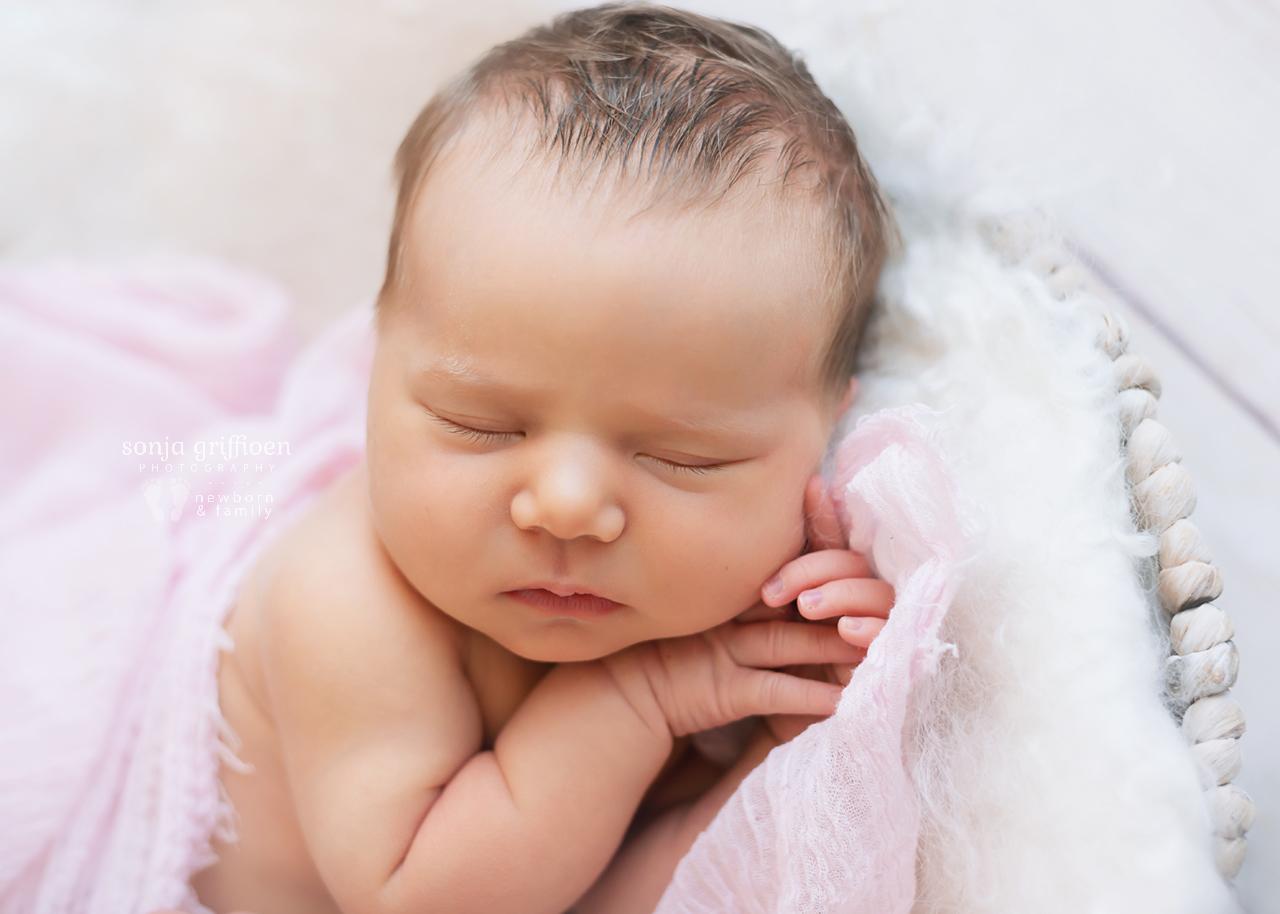 Maya-Newborn-Brisbane-Newborn-Photographer-Sonja-Griffioen-12.jpg