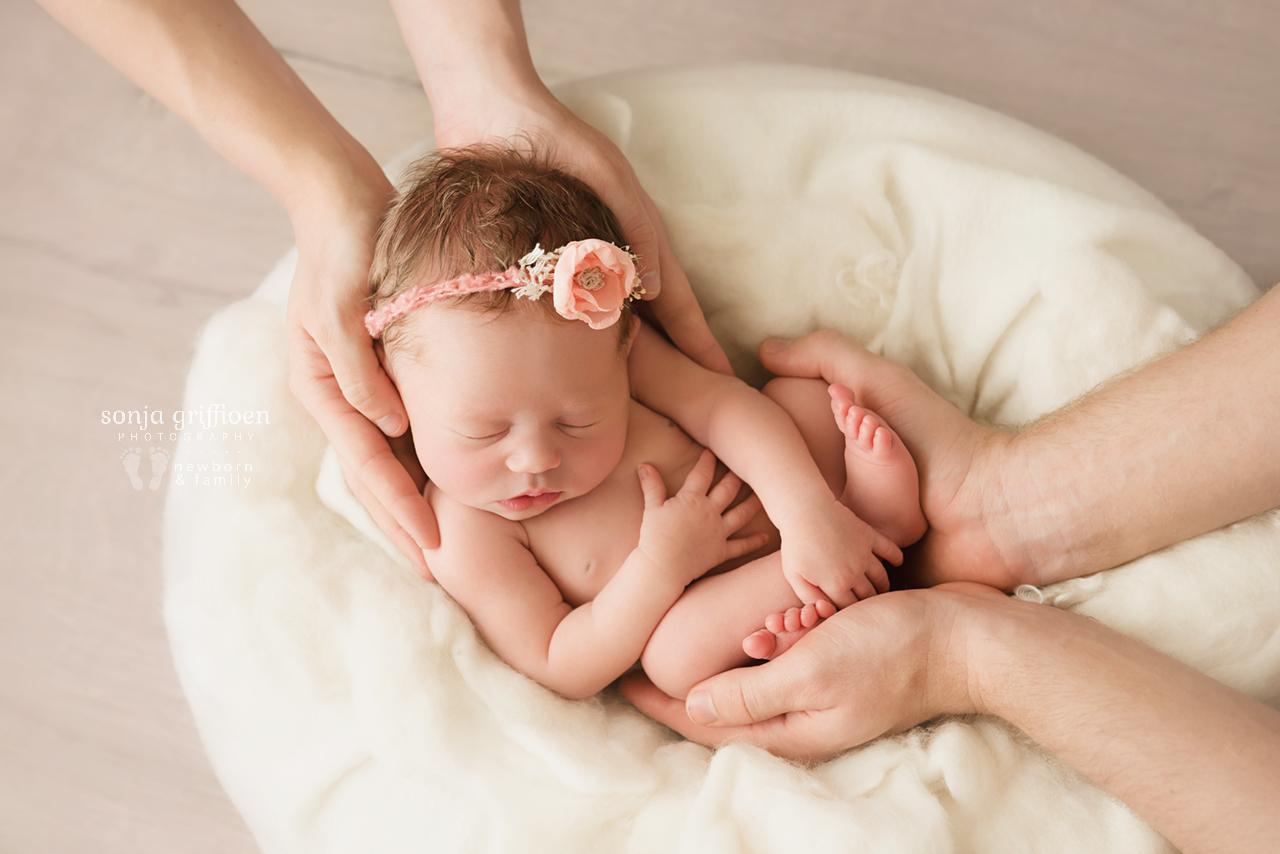 Michelle-Ivy-Newborn-Brisbane-Newborn-Photographer-Sonja-Griffioen-04.jpg