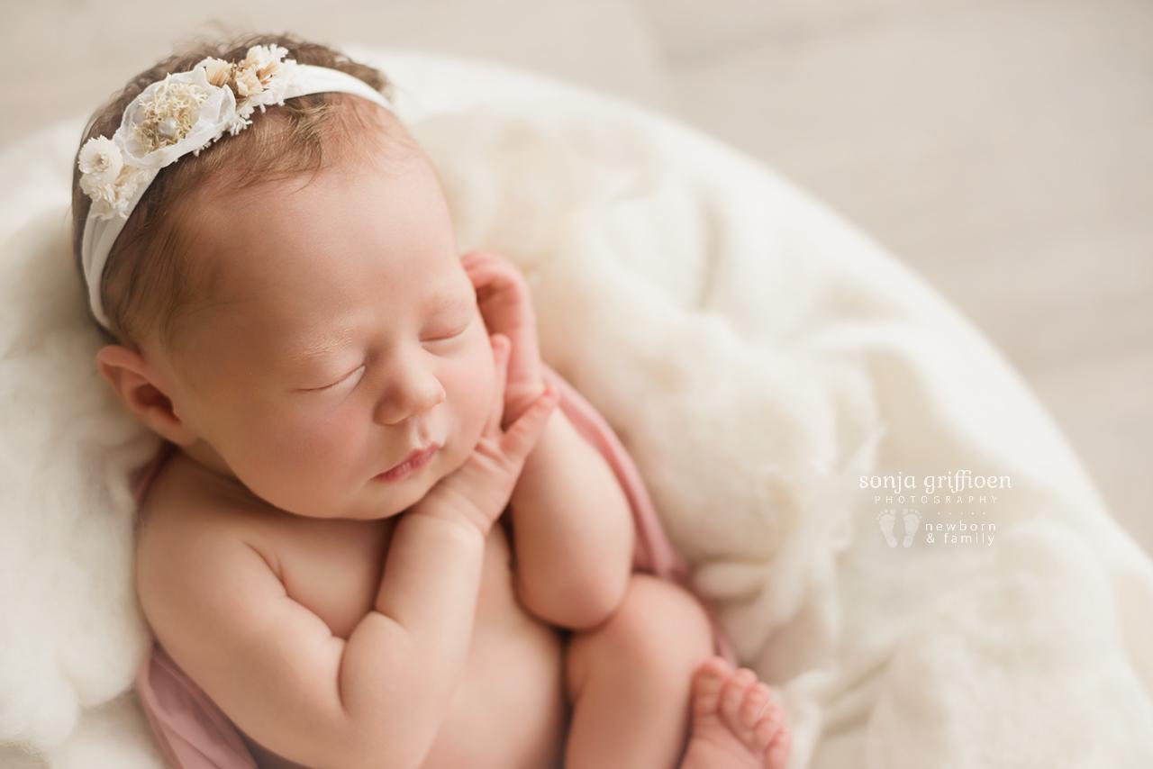 Michelle-Ivy-Newborn-Brisbane-Newborn-Photographer-Sonja-Griffioen-06.jpg