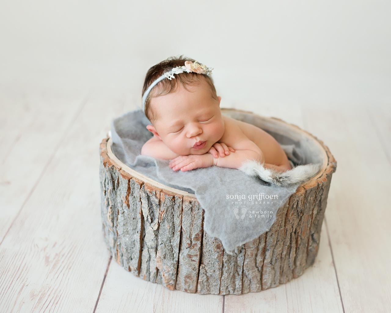 Michelle-Ivy-Newborn-Brisbane-Newborn-Photographer-Sonja-Griffioen-11.jpg