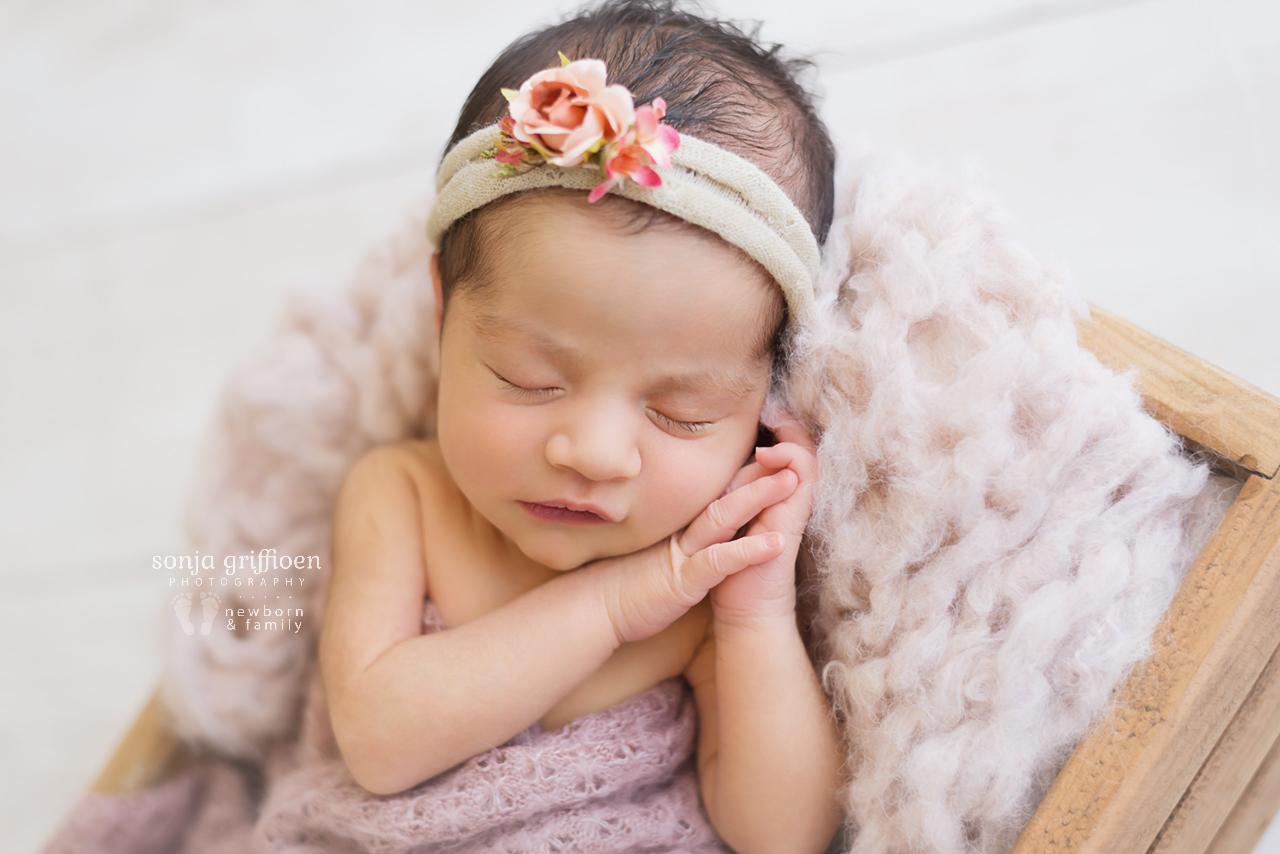 Niamh-Newborn-Brisbane-Newborn-Photographer-Sonja-Griffioen-13.jpg