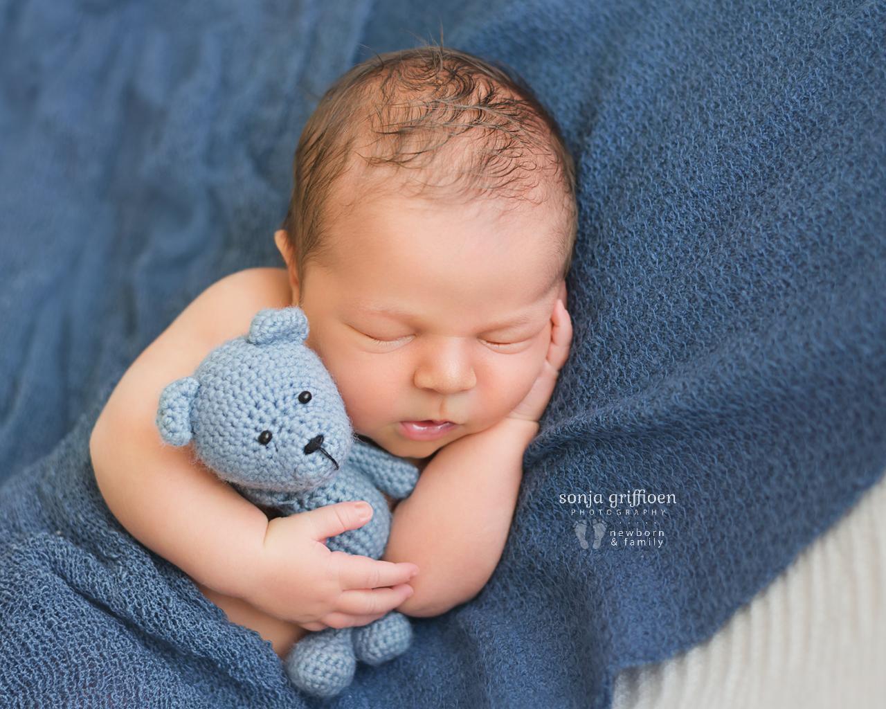 Oliver-G-Newborn-Brisbane-Newborn-Photographer-Sonja-Griffioen-12.jpg