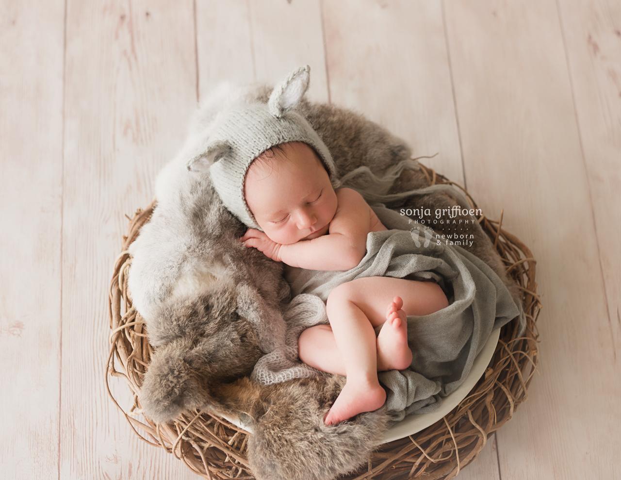 Oliver-Newborn-Brisbane-Newborn-Photographer-Sonja-Griffioen-07.jpg