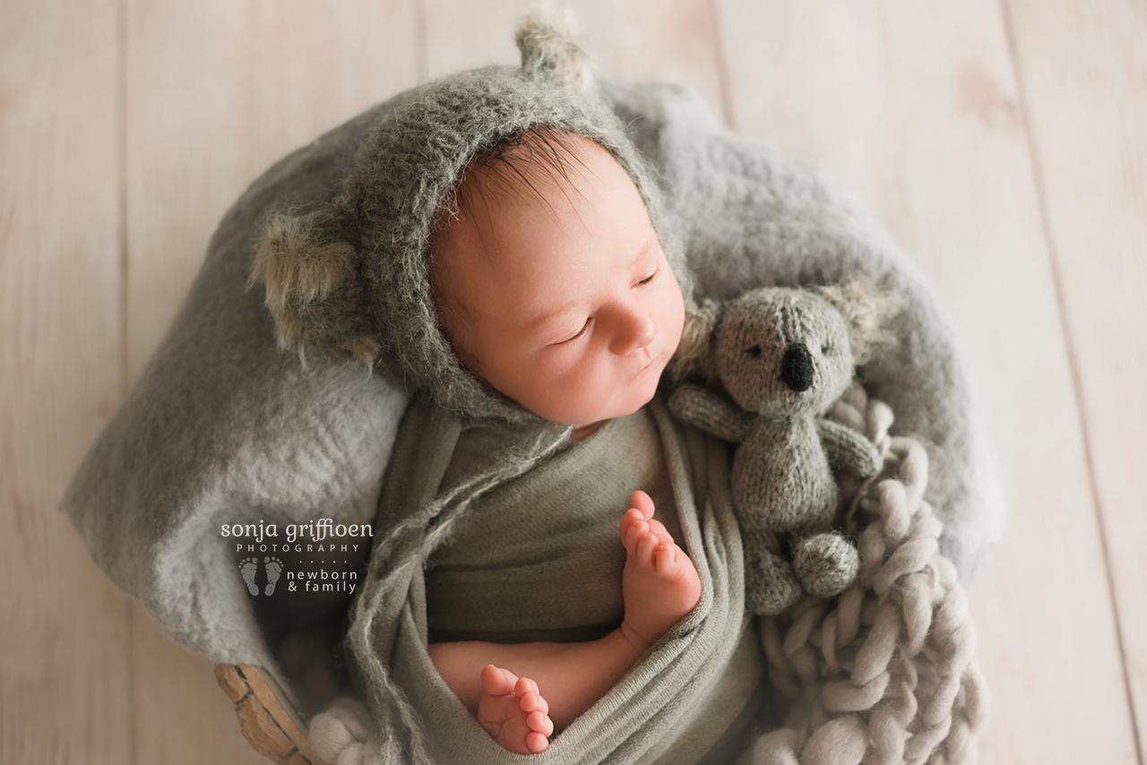 Oliver-Newborn-Brisbane-Newborn-Photographer-Sonja-Griffioen-14.jpg