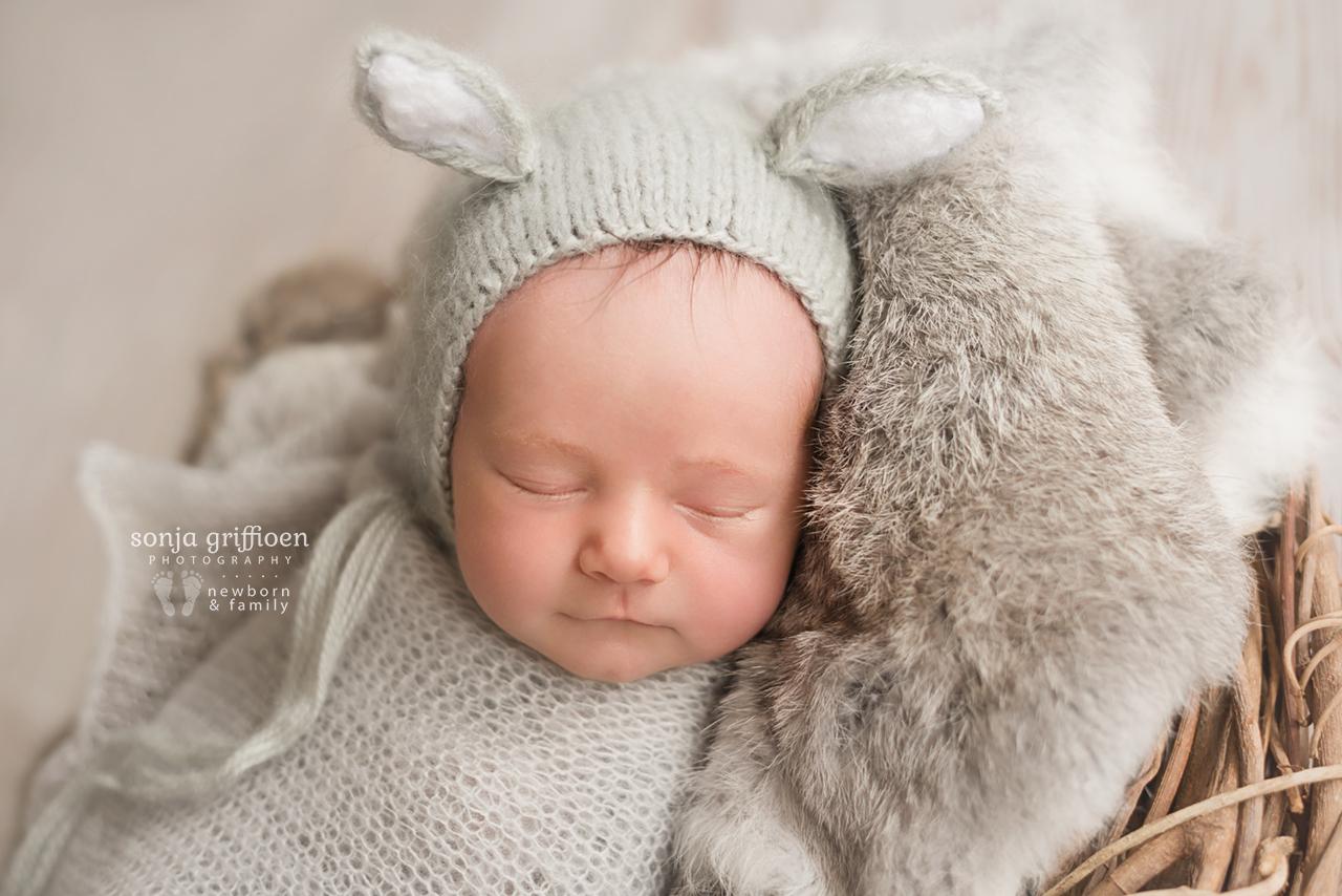 Oliver-Newborn-Brisbane-Newborn-Photographer-Sonja-Griffioen-17.jpg