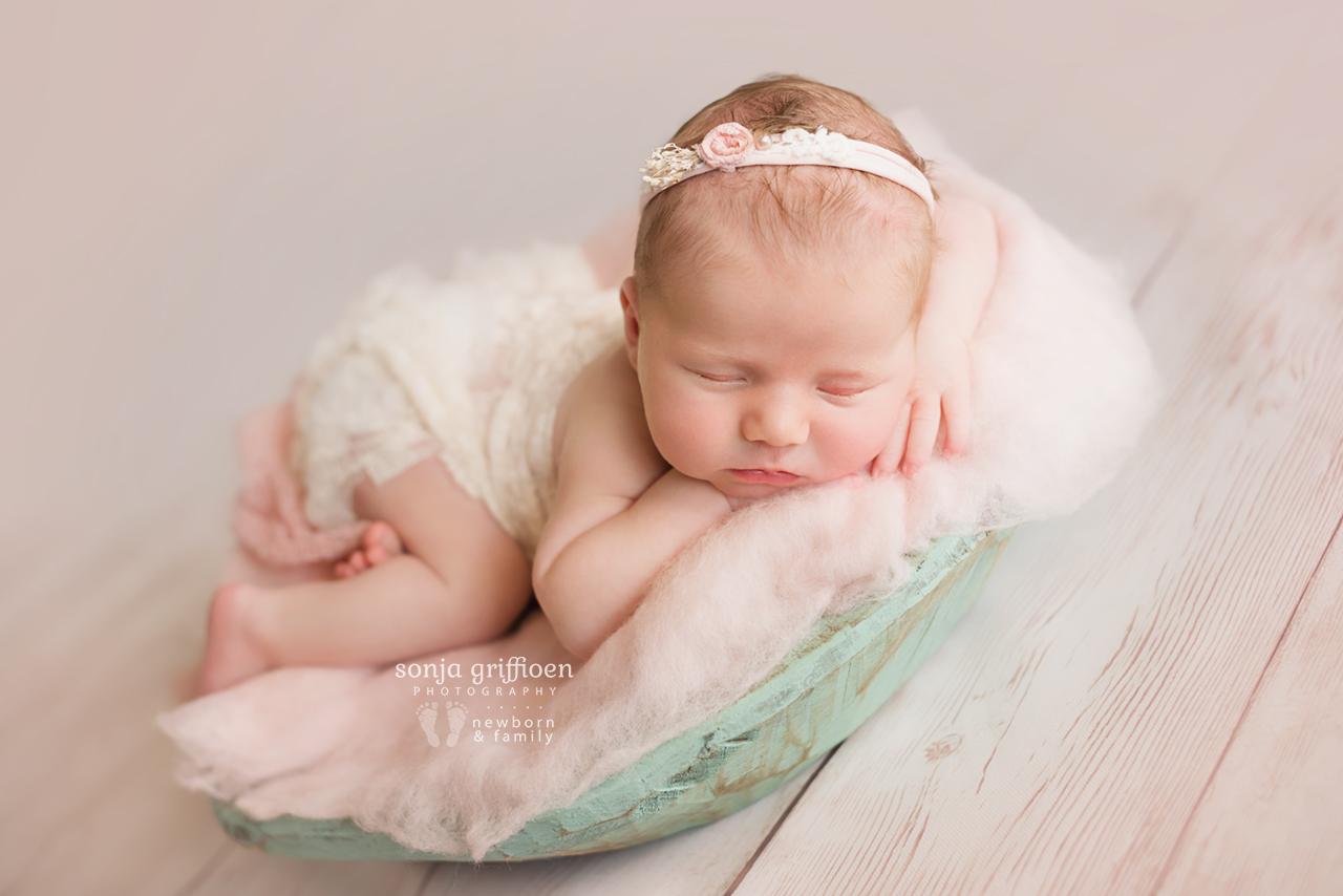 Olivia-A-Newborn-Brisbane-Newborn-Photographer-Sonja-Griffioen-16.jpg