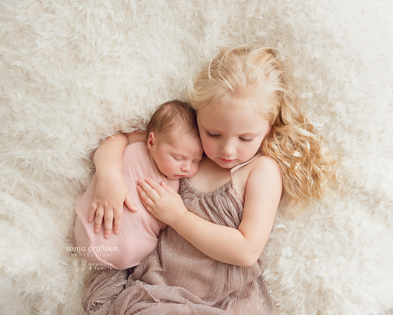 Olivia-O-Newborn-Brisbane-Newborn-Photographer-Sonja-Griffioen-01.jpg