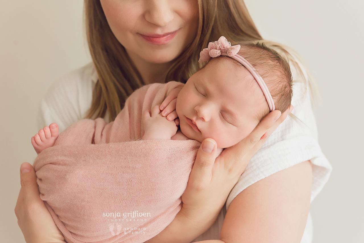 Olivia-O-Newborn-Brisbane-Newborn-Photographer-Sonja-Griffioen-11.jpg