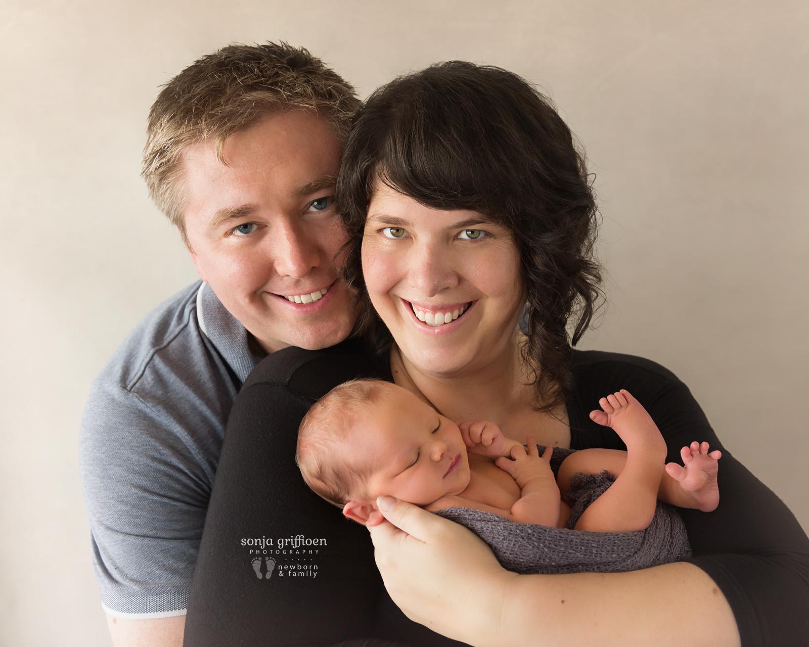 Peter-Newborn-Brisbane-Newborn-Photographer-Sonja-Griffioen-17.jpg