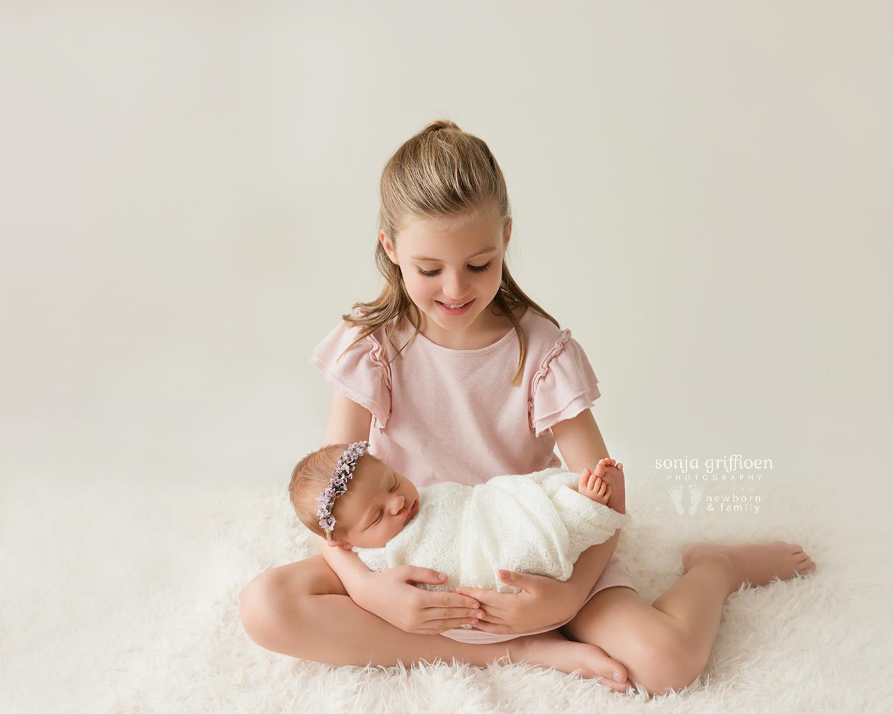 Petra-Newborn-Brisbane-Newborn-Photographer-Sonja-Griffioen-01.jpg