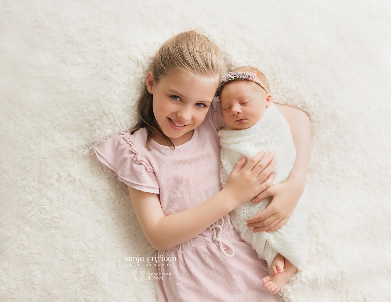 Petra-Newborn-Brisbane-Newborn-Photographer-Sonja-Griffioen-02.jpg