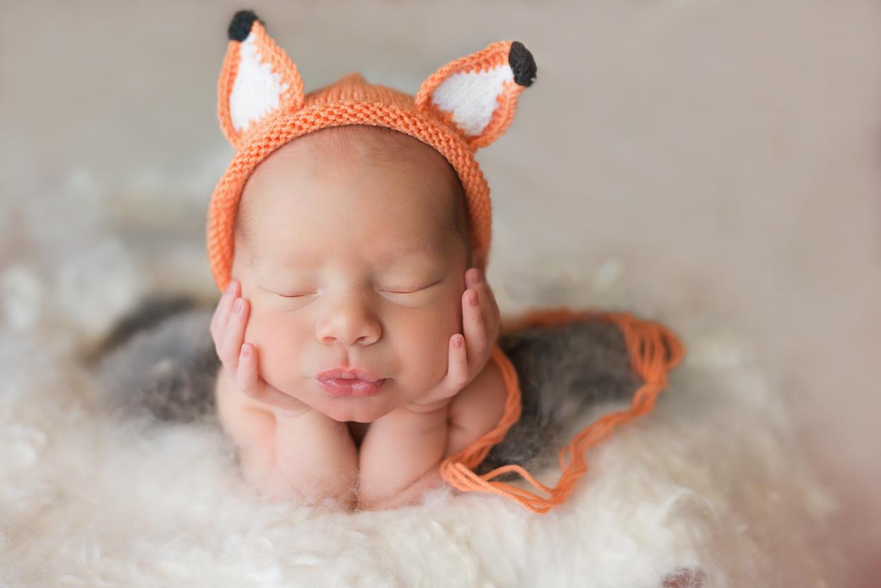 Brisbane newborn photographer, Sonja Griffioen, newborn photos Brisbane