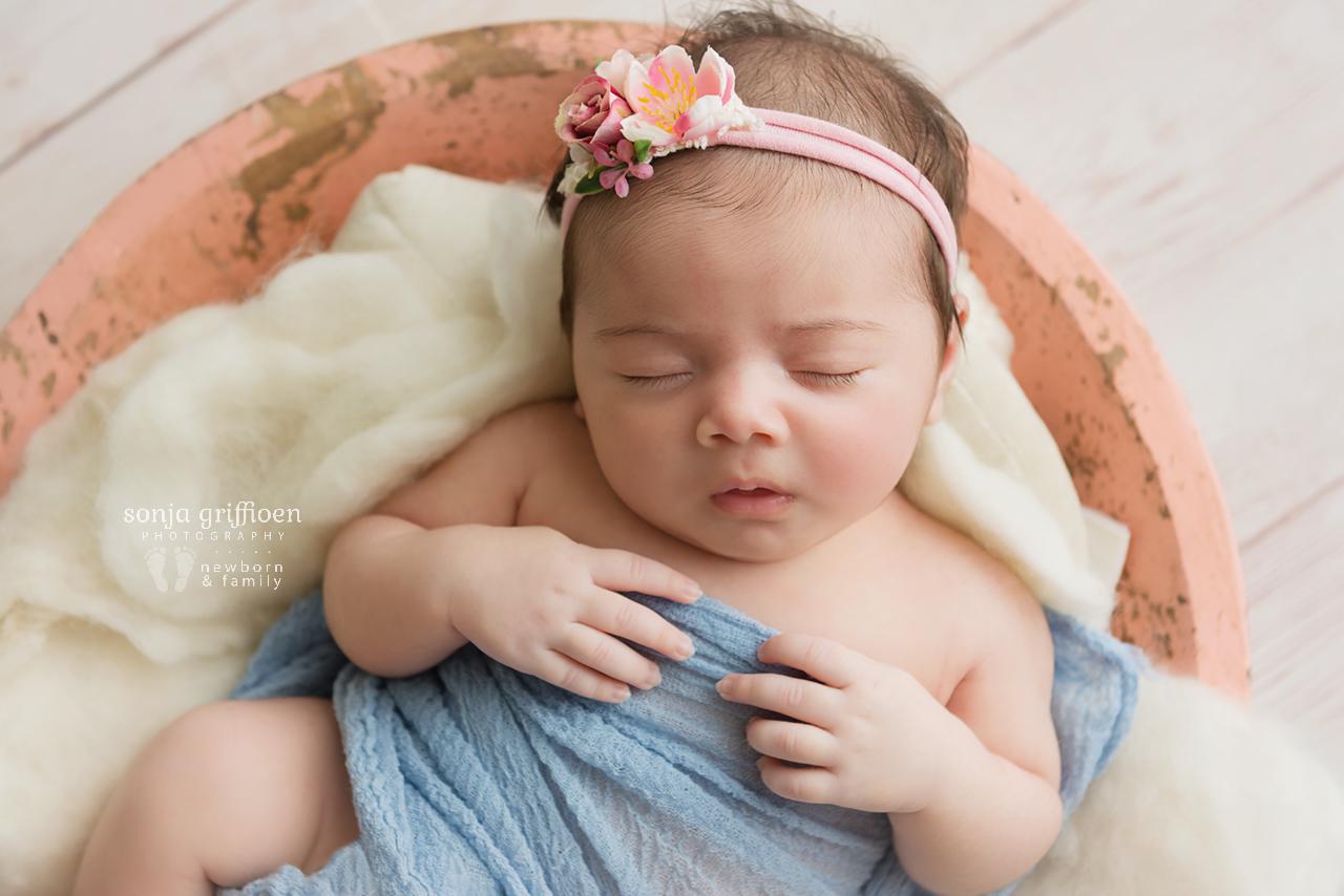 Rumeysa-Newborn-Brisbane-Newborn-Photographer-Sonja-Griffioen-13.jpg