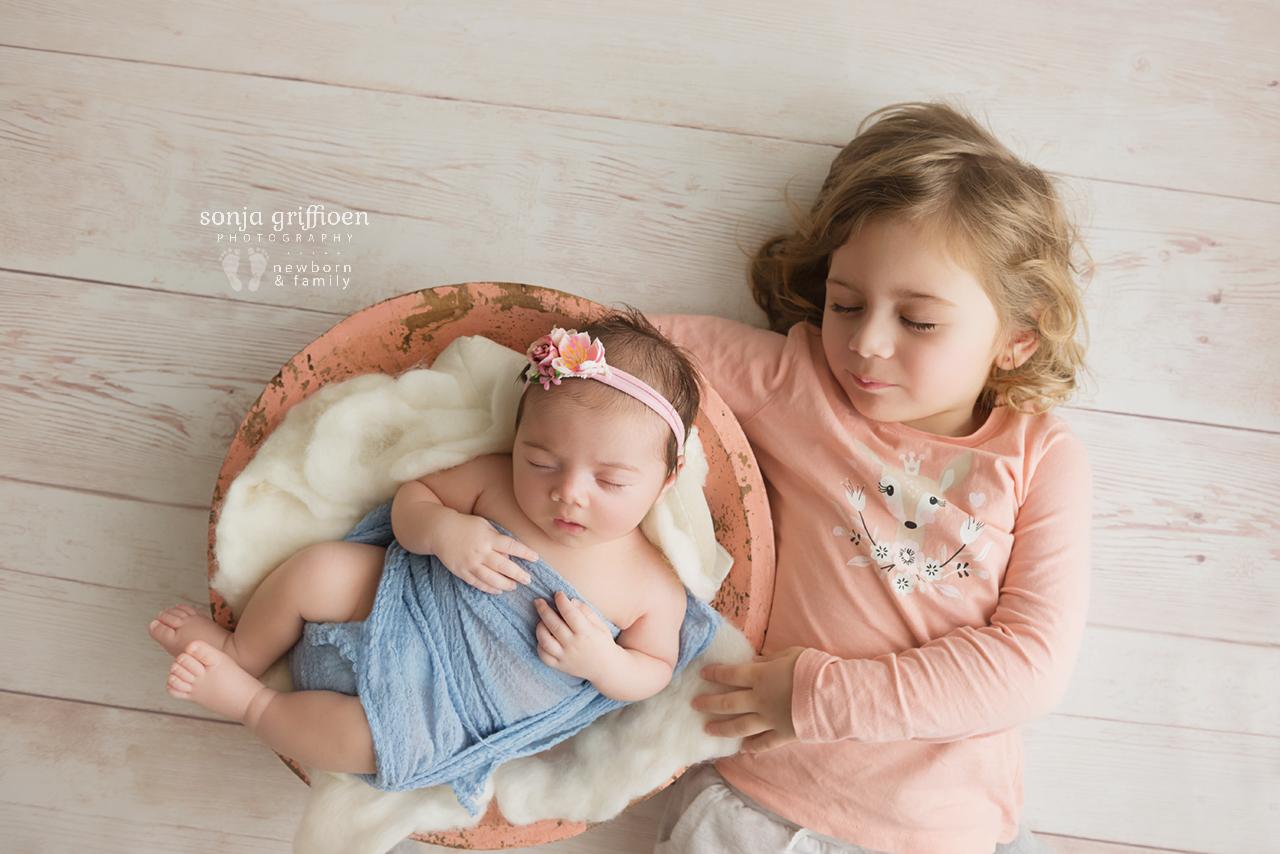 Rumeysa-Newborn-Brisbane-Newborn-Photographer-Sonja-Griffioen-14.jpg