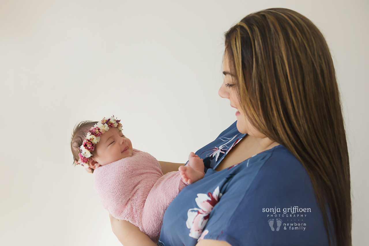 Rumeysa-Newborn-Brisbane-Newborn-Photographer-Sonja-Griffioen-18.jpg