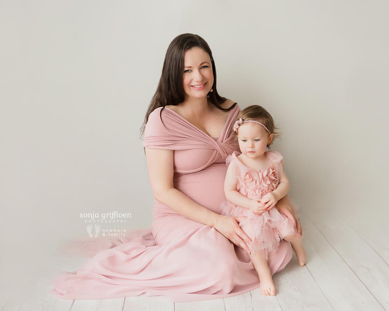 Sarah-Maternity-2-Brisbane-Newborn-Photographer-Sonja-Griffioen-03.jpg