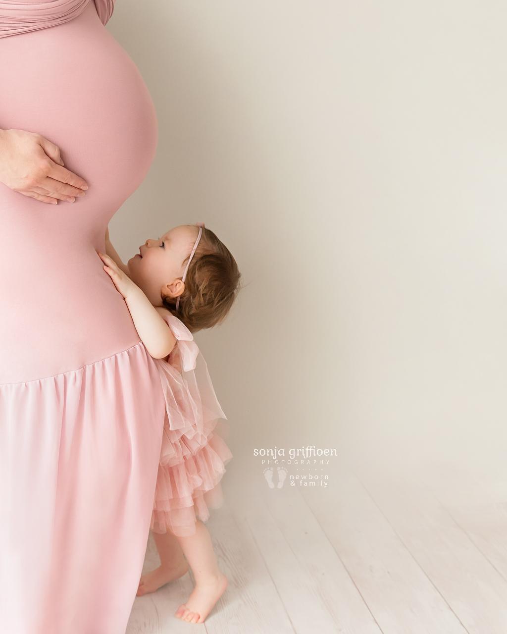 Sarah-Maternity-2-Brisbane-Newborn-Photographer-Sonja-Griffioen-05.jpg